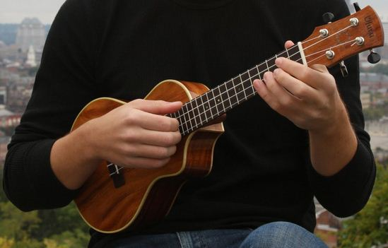 learning ukulele