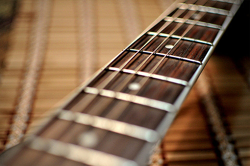 how to choose guitar strings